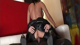 Heres a mistress that is heavy into leather rubb - 38:00