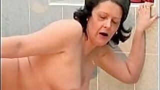4:11: Nasty housewive gets cunt fucked