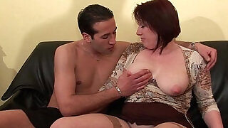 37:00: BBW Maman cougar deboitee fistee sodomisee DP facialisee pour son casting