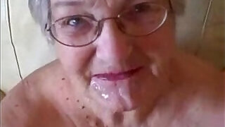 3:00: Old granny loves cock. Great facial