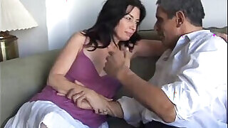 19:00: Scarlette is a sexy mature slut lady loves facial cusmhots