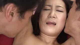 5:00: Japanese princess acquires wedgie with didlo
