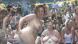 5:00: Naughty amateurs getting wet on the stage