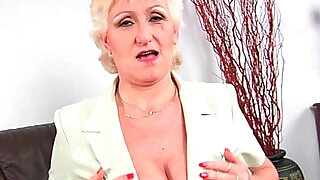 Granny with her big tits finger fucks her sweet pussy - 6:00