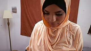 Ethnic arab babe gets fucked and fingered - 6:00