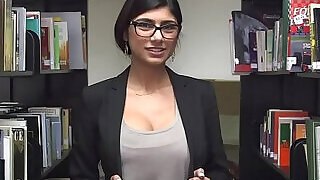 Arab bitch does her most excellent to get jizz - 5:00