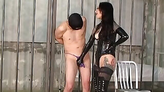 2:00: Japanese Mistress Youko Facesitting and Handjob