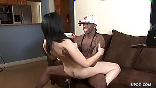 13:46: Small pussy Ebony cougar spoiling hair
