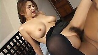 11:02: Bigboobed Japanese babe does a facial